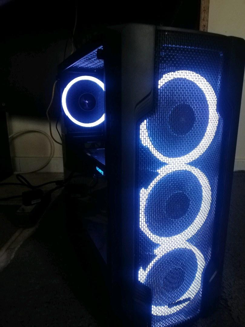 ekran kartsiz PC.