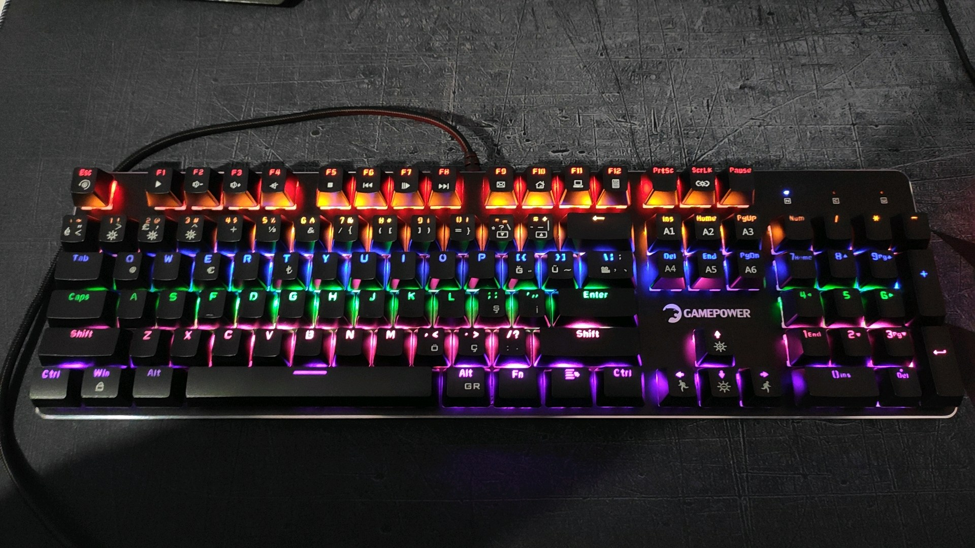 gamepower ogre rainbow red switch oyuncu klavyesi