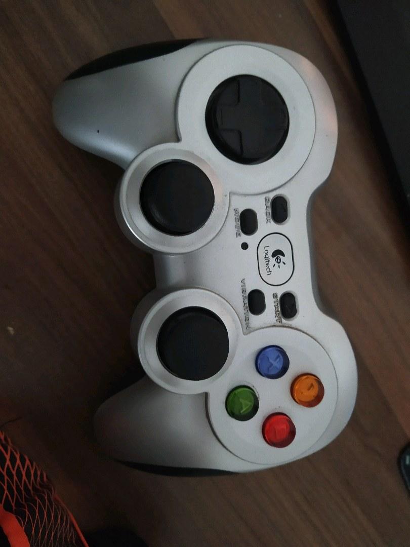 Logitech F710 Gamepad Joystick