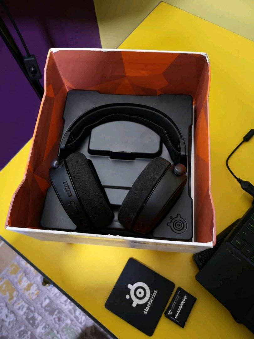 SteelSeries Arctis Pro Wireless - Çok Uygun